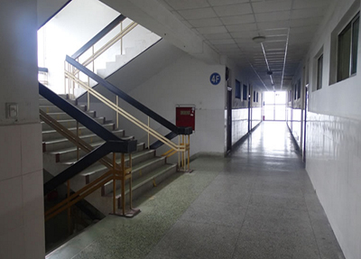 教學樓走廊
